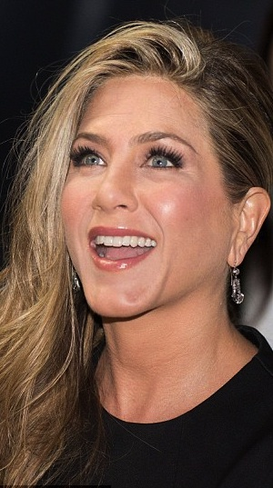 aniston cropped