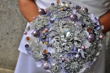 brooch bouquet cropped